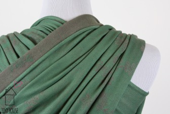 Didymos Cherry Blossoms, solid dyed green
